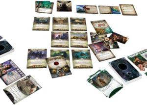 EDG004197 002 300x214 - Horreur à Arkham - Le jeu de cartes